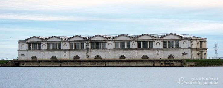 Рыбинская ГЭС вид с водохранилище