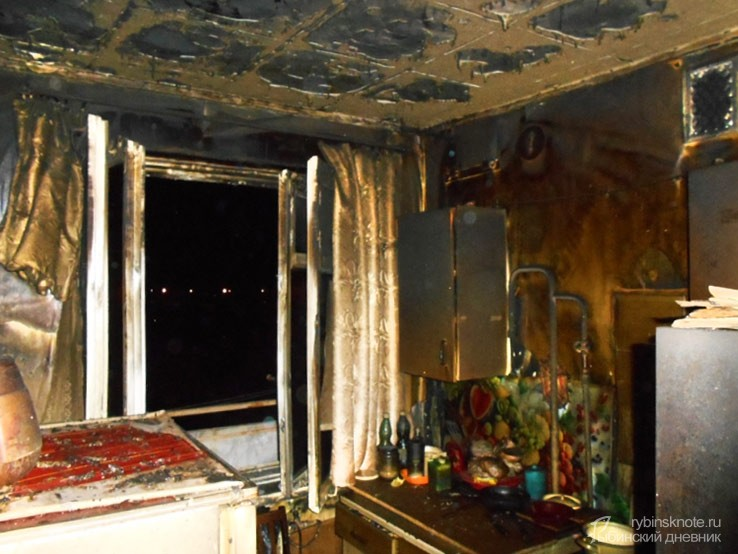 Обгорелая квартира на Алябьева