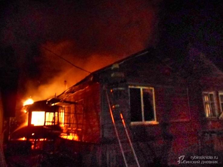 ВРыбинске сгорел автосервис сдорогими машинами