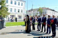 К памятнику Фёдору Ушакову возложили цветы