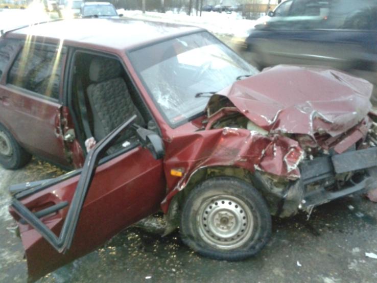 Три автомобиля попали вДТП вРыбинске