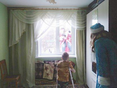 дед в окне-2